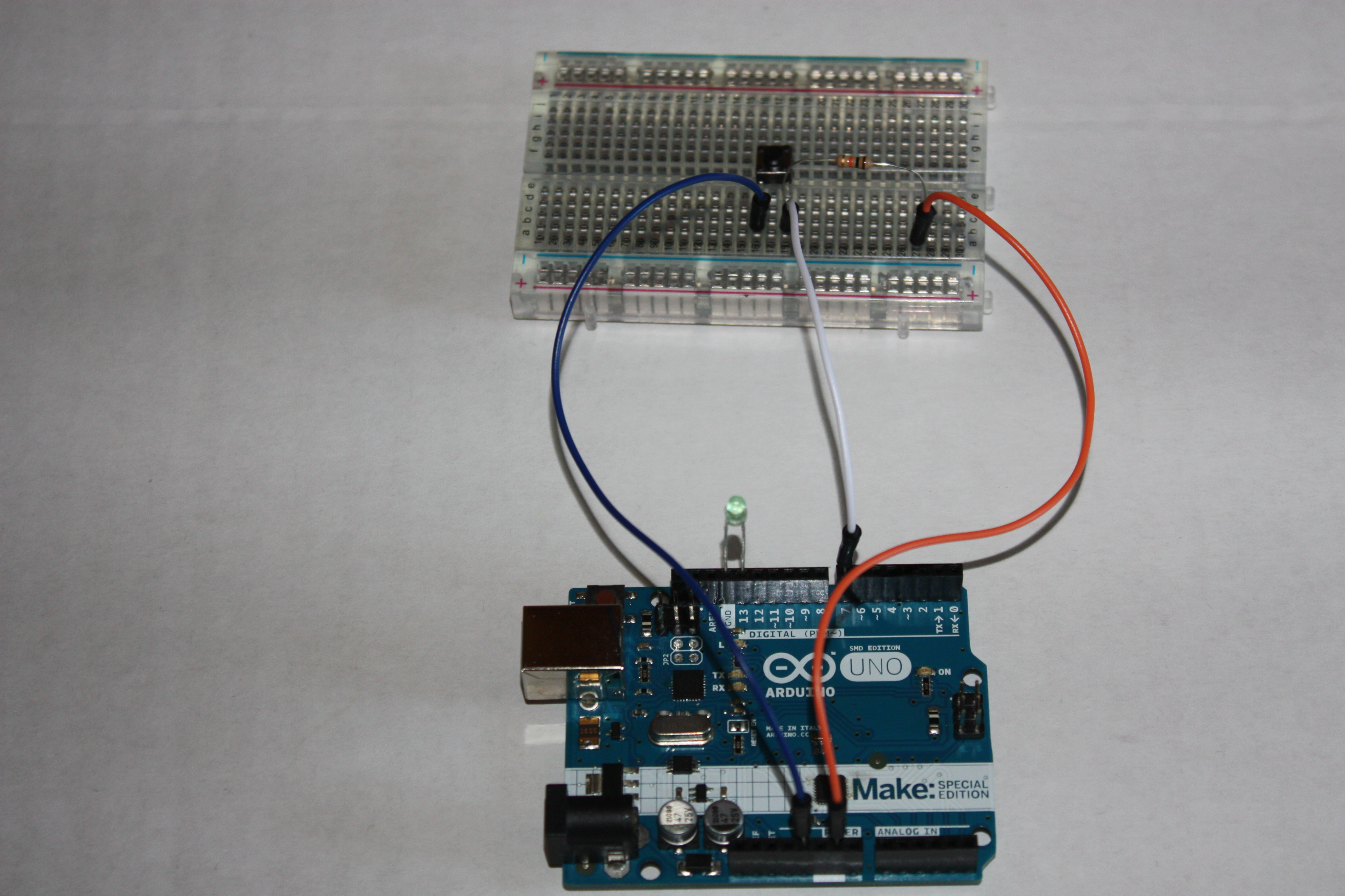 Arduino how to turn on an led with a push button